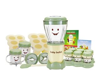 The Babybullet kit  includes 1x Power Base, 1x Cross Blade, 1x Flat Blade, 1x Batch Bowl, 2x Short Cups, 2x Stay-fresh Re-sealable Lids, 1x Spatula, 2x Batch Trays, 2x Batch Tray Lids, 6x Date Dial Storage Cups, 1x Storage Tray, 1x User Manual & Cook Book, 1x Pocket Nutritionist